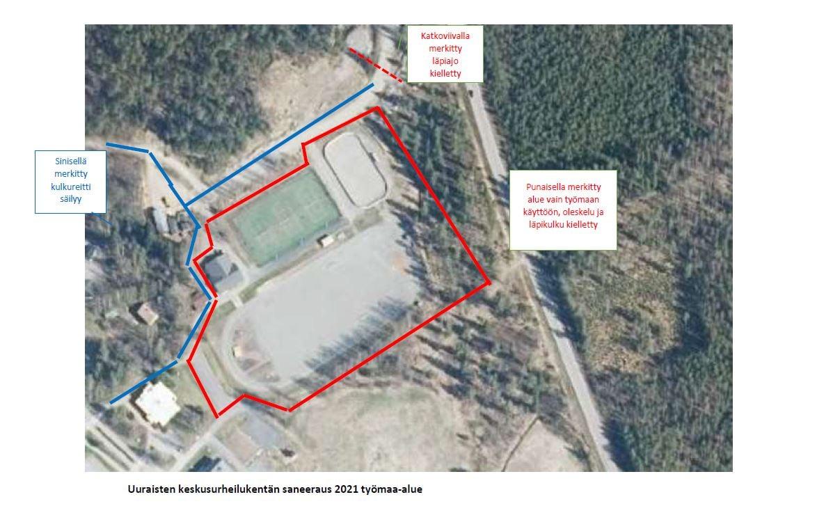 Uuraisten keskusurheilukentän ilmakuva, jossa punaisella rajattu saneerattava alue eli urheilukenttä, tenniskenttä ja jääkiekkokaukalo.